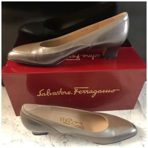 Salvatore Ferragamo Nicety Leather pumps in box